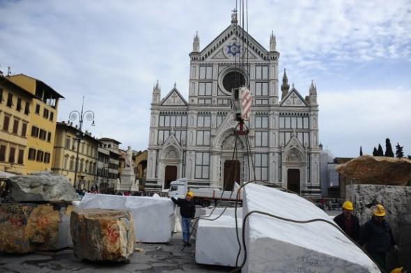 florence-piazza-santa-croce-mimmo-paladino
