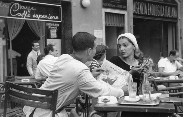 American Girl in Florence, Ruth Orkin, 1951