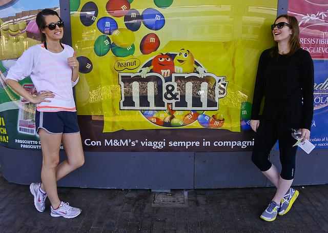 """In our world this reads, """"Con H&M viaggi sempre in compagni!"""""""