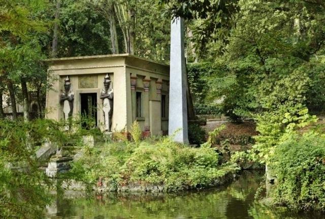 A view of Stibbert Park via Officine Einstein