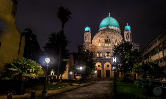 Florence Synagogue at night by Juan Ramón Jiménez